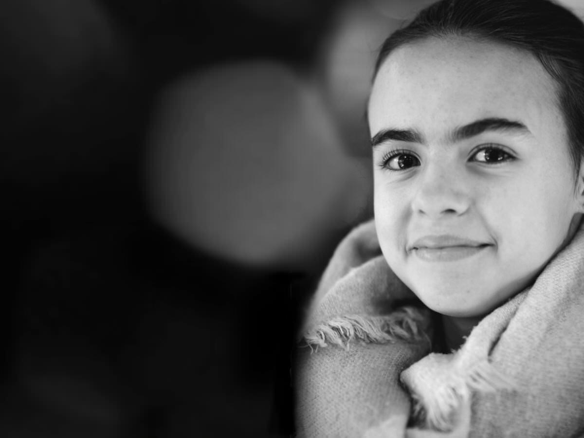 Las vivencias sociales de la niña y el papel organizador y de dotación de sentido que lleva a cabo el psicólogo especialista en Asperger.