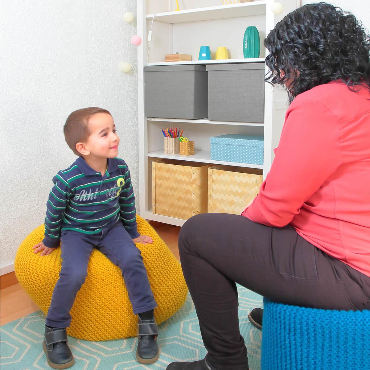 Psicólogos infantiles especialistas en terapia con niños del centro de psicología Atalanta en Madrid.